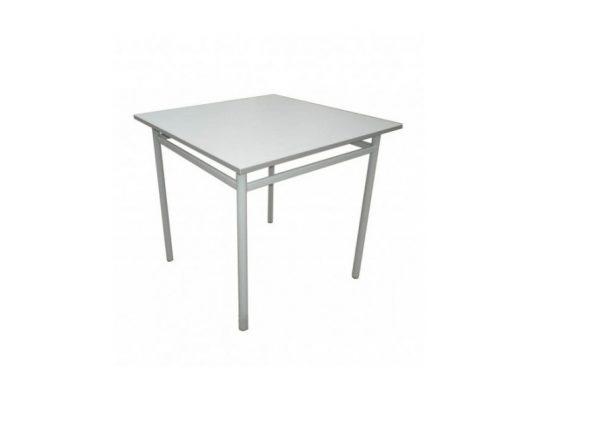 Metalni sto Dionis, ima tablu kvadratnog oblika.