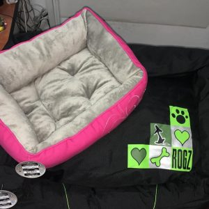 Ležaljke za pse, od najkvalitetnijih materijala, za male i velike pse, lake za održavanje, presvlake se skidaju i peru mašinski.