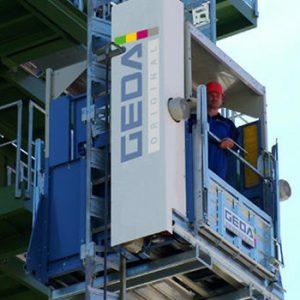 Lift za prevoz ljudi i materijala