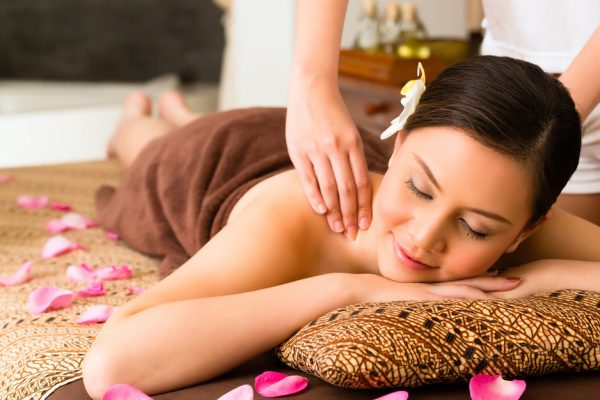 Osvežavajuća masaža leđa