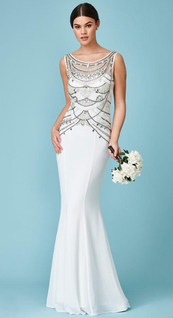 Bela svečana duga haljina