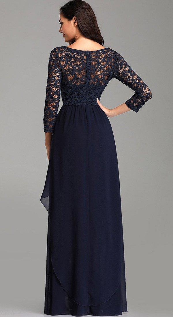 Duga haljina sa čipkanim rukavima