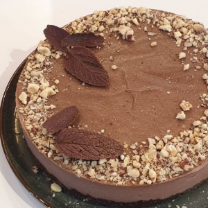Sirova cokoladna torta