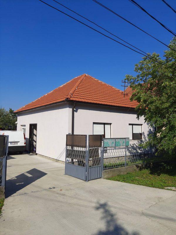 Kuća 100m2 na placu 14a Batajnica 6