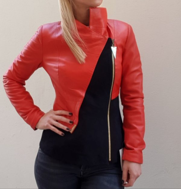 Crveno crna kožna jakna