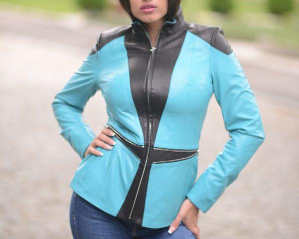 crno-plava kožna jakna