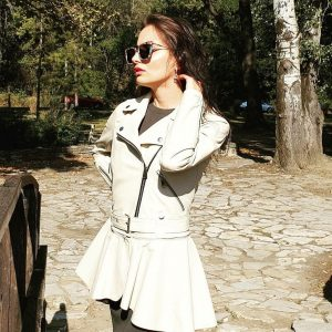Bela duga kožna jakna 1